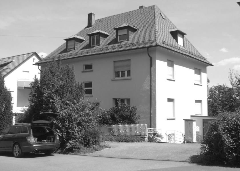 Mehrfamilienhaus Ansicht vor Renovierung